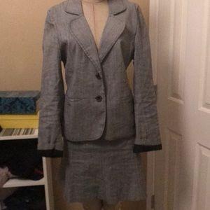 Suit set White House black market